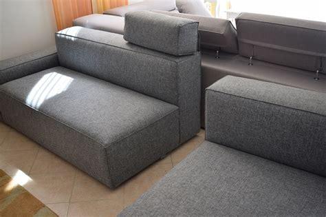 divani con chaise longue prezzi divano schienale basso con chaise longue in cotone grigio