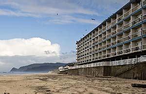 surftide hotel lincoln city oregon coast hotel unveils hip remake