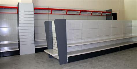 scaffali metallici brico scaffalature arredo supermercati ferramenta svizzera ticino