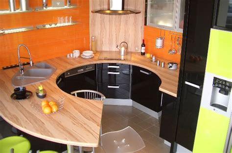 cuisine jaune et noir cuisine noir et jaune decor mur de cuisine mur cuisine