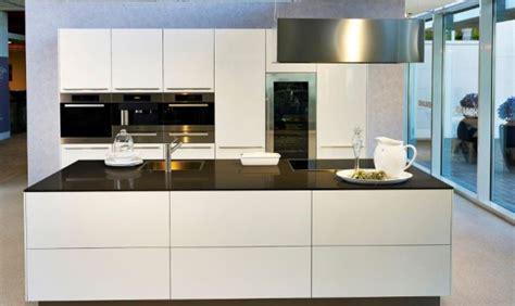 Schöne Günstige Küchen by Schlafzimmer Gestalten Im Landhausstil