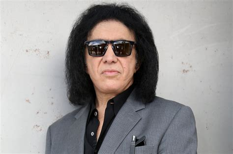 Gene Simmons Gets by Gene Simmons Weiland And Layne Staley Both Promised