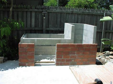 garten gestalten selber gemauerter grill wollen sie diesen selber bauen