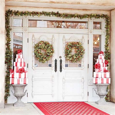 outdoor christmas decorations ideas porch beautiful outdoor christmas porch decoration ideas