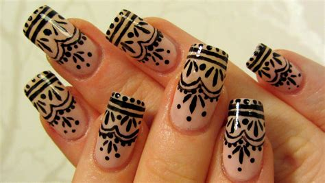 black henna tattoo tutorial easy henna inspired design nail tutorial