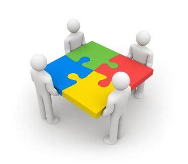 imagenes de varias personas trabajando liderazgo y trabajo en equipo liderazgo