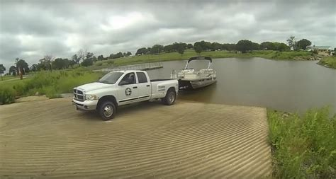 pontoon boat trailer reviews 10 quick tips to help with trailering a pontoon boat