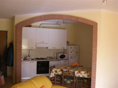 arco cucina soggiorno cucina e soggiorno con arco idee creative di interni e