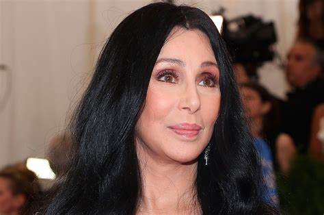 cher latest pictures of 2016 cher s 18 greatest tweets of all time