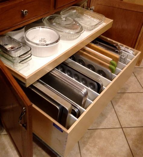 how to arrange kitchen cabinets how to organize your kitchen cabinets and drawers youtube
