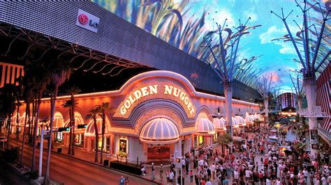 ordinance aims  curb  chaos  fremont street