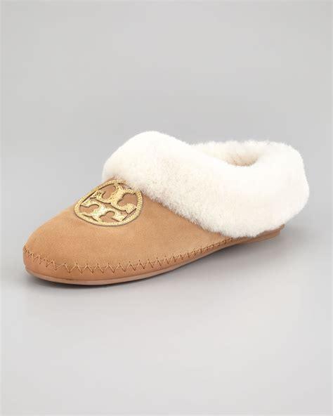 tory burch house shoes tory burch coley metallic logo shearling slipper in gray royal tan gld nat lyst