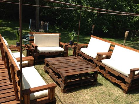 patio furniture made out of pallets theradmommy