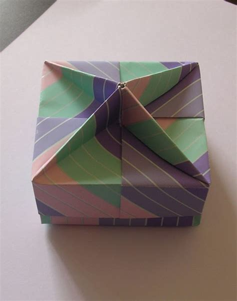 Tomoko Fuse Origami Boxes - origami maniacs origami squared box lid with wedges by