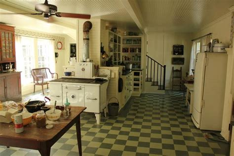 Craftsmen House celia s plantation house in the help kitchen hooked on