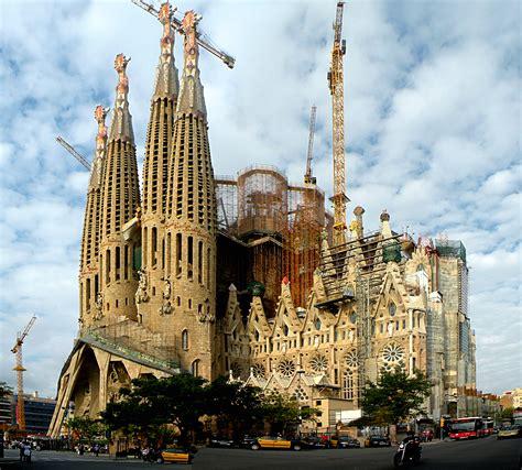 La Sagrada Família   Barrios of Barcelona   ShBarcelona