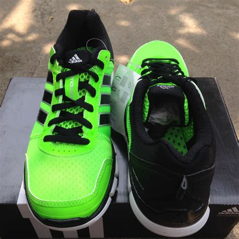 Sepatu Kets Nike Original terjual sepatu futsal kets anak adidas nike all original