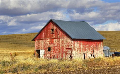 images of a barn building a barn what does your barn look like