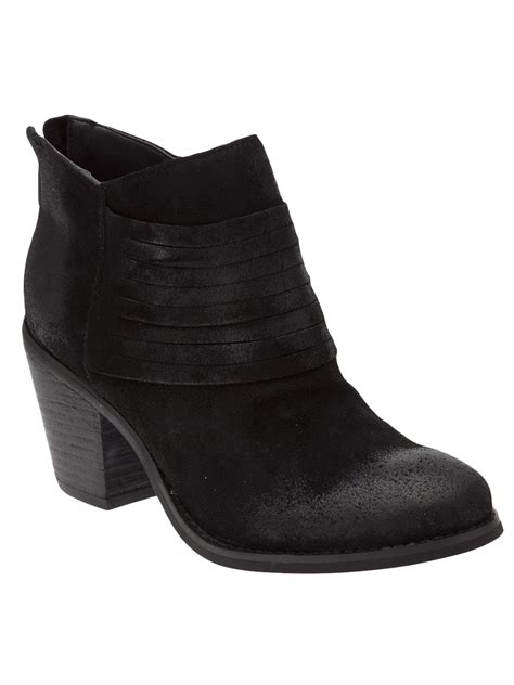 seychelles stacked heel ankle boot in black lyst