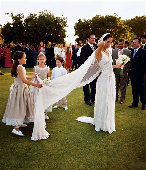 Wedding Dress Etiquette by Wedding Guest Etiquette To Stick To And Faux Pas To