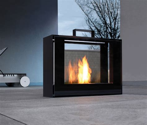 Conmoto Fireplace by Conmoto Travelmate Fireplace The Awesomer