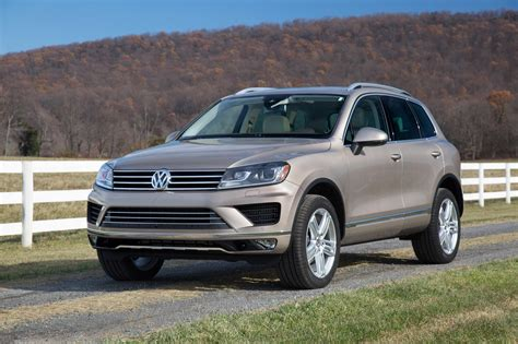 volkswagen touareg 2016 price 2016 volkswagen touareg gets price reduction drops hybrid