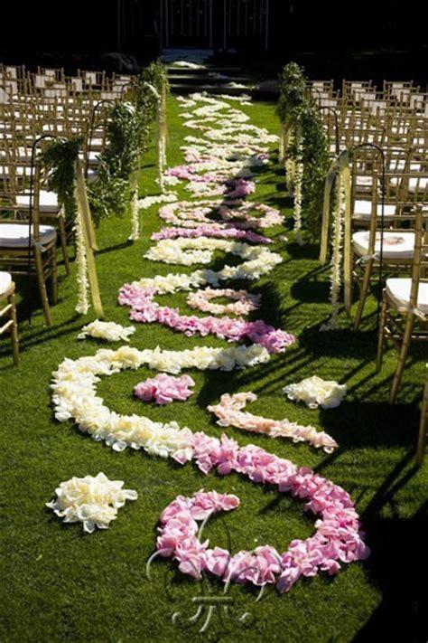 Wedding Aisle Flower Petal Designs by Petal Aisle Coverage Exle Photos On