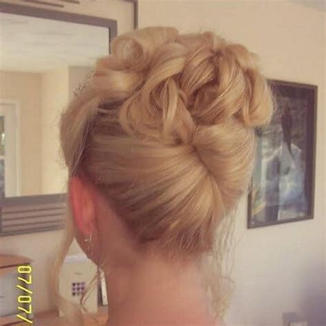 Soft Pin Up Hairstyles by Soft Pleated Updo Hair Hair Styles Hair