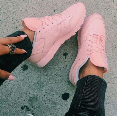 light pink reebok classics reebok leather w spirit coral pink hers trainers