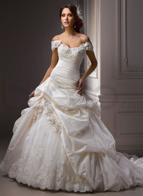 ball gown wedding dresses with sleevescherry