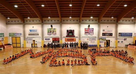 Mba Di Domimican Illinois by Si Chiude L Anno Con Il 3 176 Torneo Mba 20 Squadre E 300