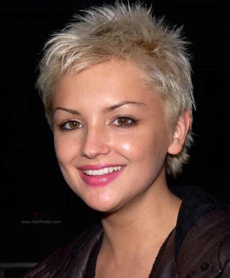 Rachael Leigh Cook with her hair chopped off   Platinum