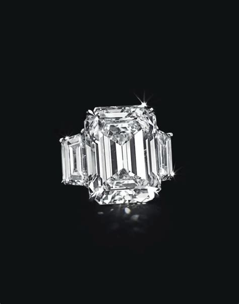 kim kardashian engagement ring cost kanye kim kardashian s engagement ring estimated to be worth 8m