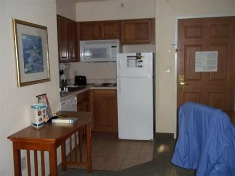 2 bedroom hotel suites anaheim ca staybridge suites anaheim 2 bedroom suite bathroom
