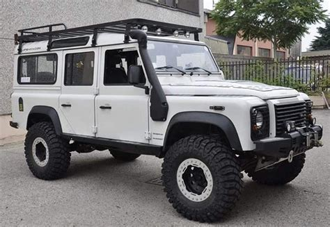 land rover experience defender 25 best ideas about land rover defender on