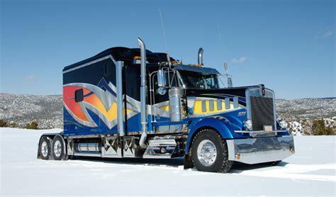 custom sleeper with dynamic paint 3 bears trucks