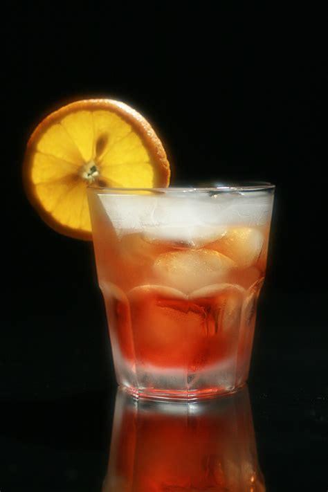 cari negroni americano drink