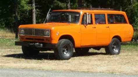 international harvester travelall 1972, this old is in