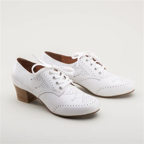 1940s oxfords in white by royal vintage