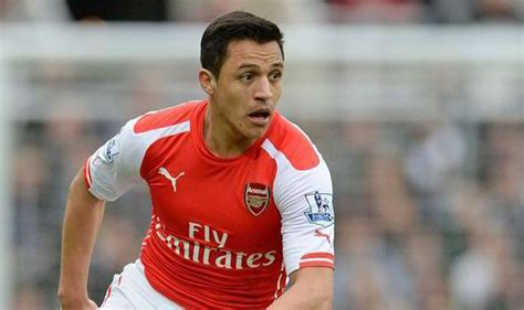 alexis sanchez not nominated arsenal boss back alexis sanchez for 2015 16 premier