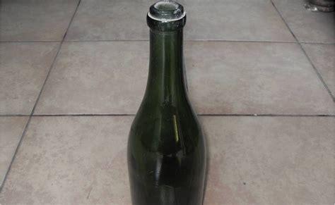 Barang Antik Setrika Kuno koleksi barang antik botol kuno terjual