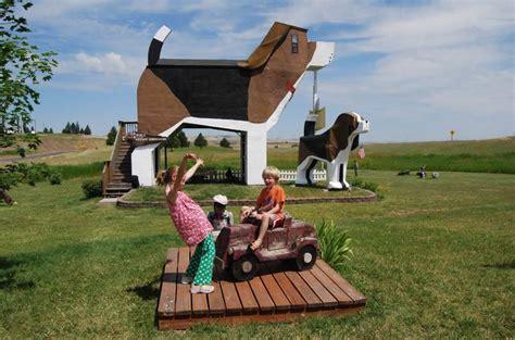 beagle bed and breakfast dog bark park inn idaho usa photo gallery funny