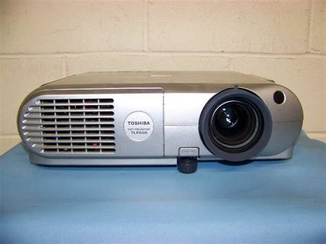 Lu Lcd Projector Toshiba toshiba tlp650u lcd projector 242 pro audio sound