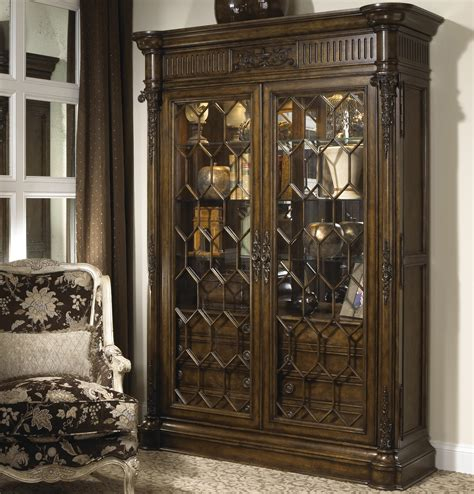 Belvedere Antique Style Lighted Interior China Display Antique Cabinets With Glass Doors