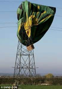 pilot who crashed hot air balloon into 132,000 volt power