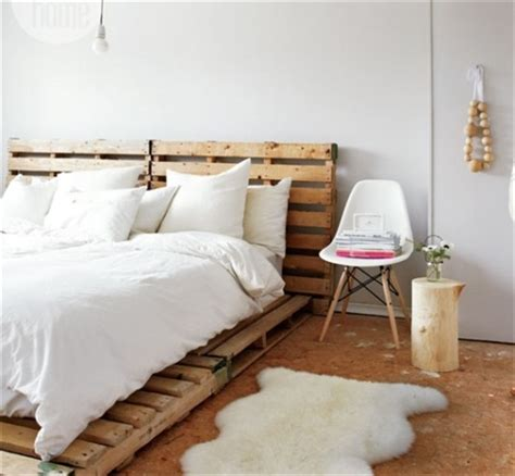 Diy Futon by Catchy And Distinct Style Pallet Bed Diy Wooden Pallet