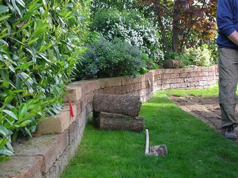 mattoni tufo giardino mattoni tufo giardinaggio mattoni in tufo per il giardino