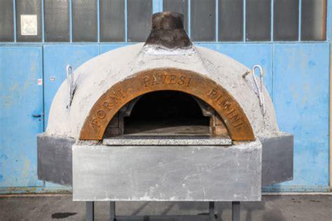 cupola forno a legna forno mod cupola grezza su base in ferro 8 10 pizze