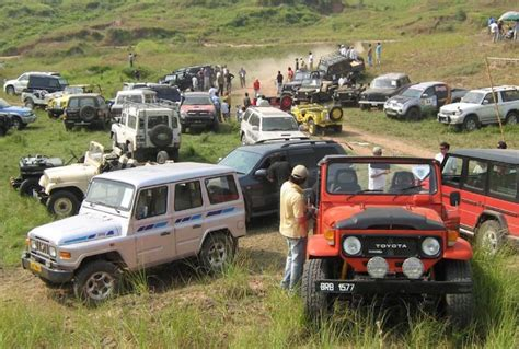 Heritage Chrysler Dodge Jeep Record Breaking Number Of Jeeps Attend Heritage Festival