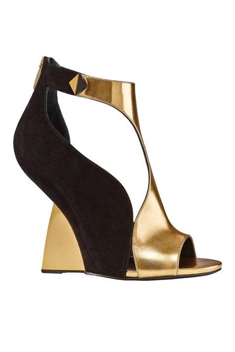 Shoe Designer To by Shoe Designer Shoes 1989432 Weddbook